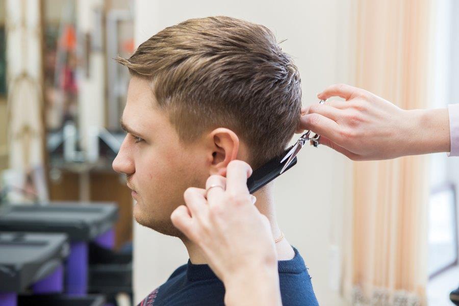 Юлия Эннс мужской мастер парикмахер.